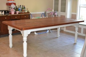 dining room table 300x200 - Choosing Your Dining Room Table