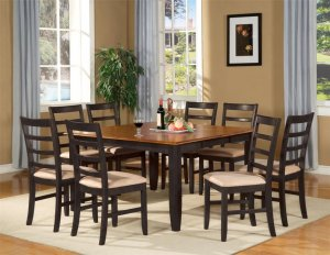 dining room table2 300x232 - Choosing Your Dining Room Table