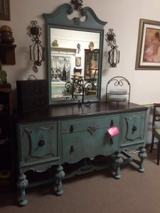 antique desk 225x300 - Antique Story