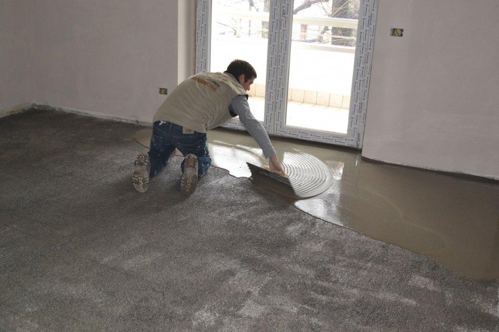 self level 1024x683 - DIY – Removing Vinyl or Flooring
