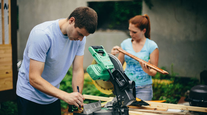 diy-team-constructing-miter-saw