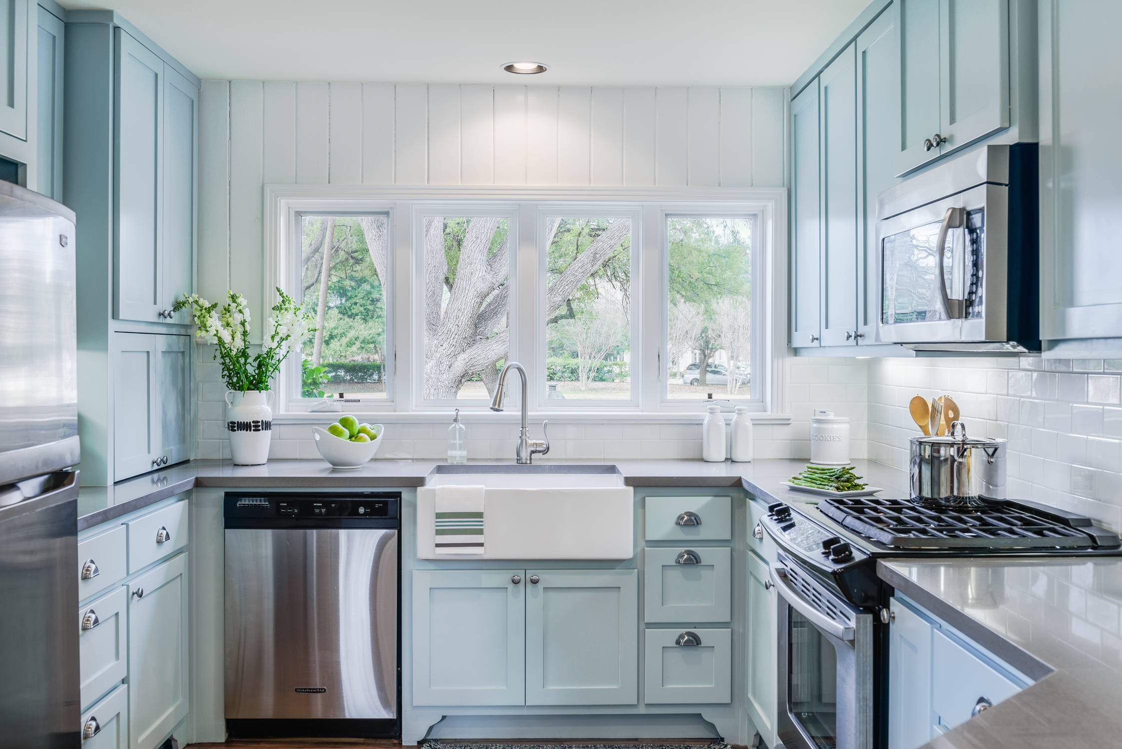 insta baby blue kitchen - DIY Cleaning Solutions for Kitchen Cabinets